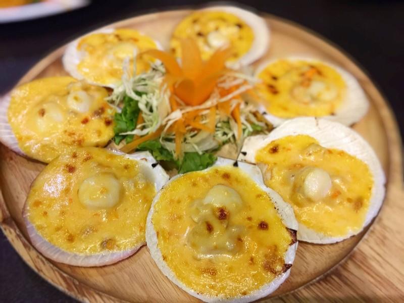 หอยเชลล์อบชีสไข่เค็ม