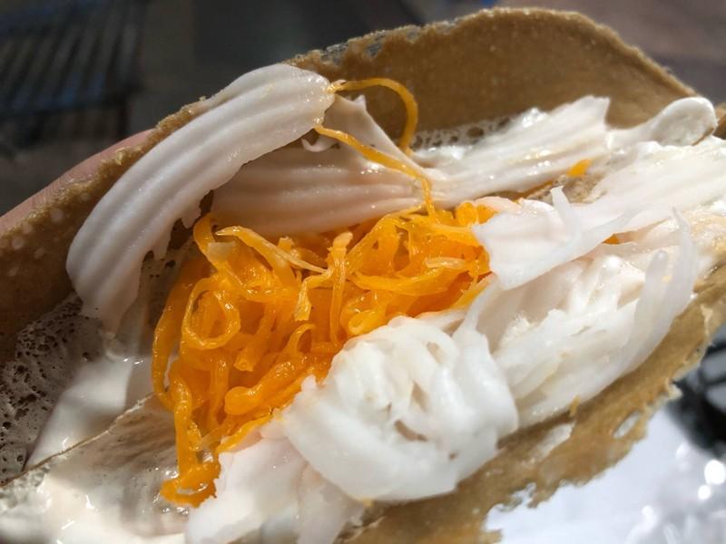 ขนมเบื้องหวานผึ้งน้อยไส้หวาน (ไม่มีมะพร้าวโรย)