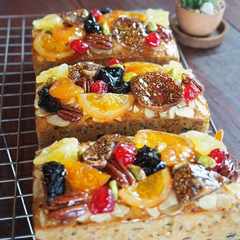 12 Treasures Fruitcake