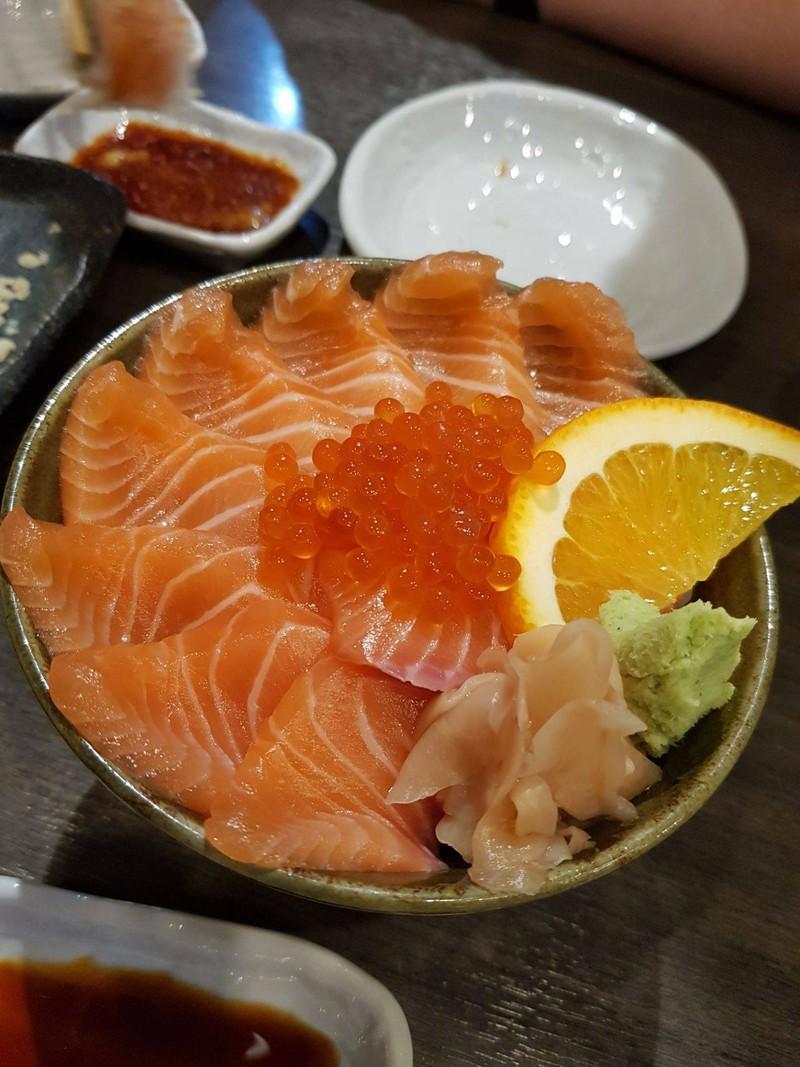 ข้าวหน้าปลา Salmon