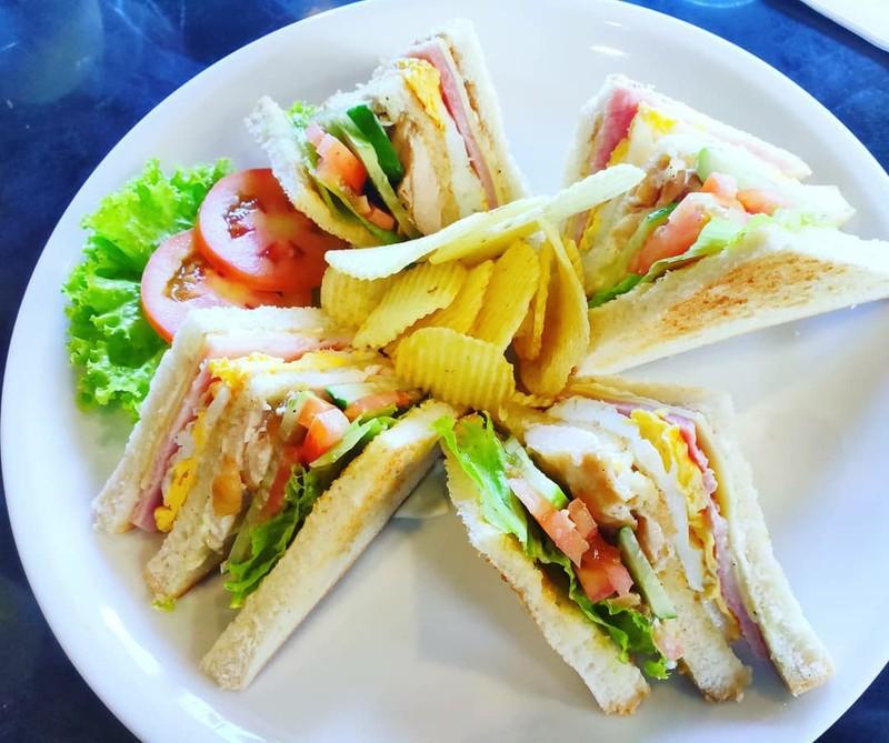 คลับแซนด์วิช (Club Sandwich)