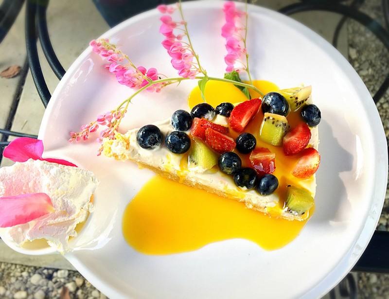 เค้กผลไม้สดสไตล์ฝรั่งเศส (Fruity Charlotte Cake)