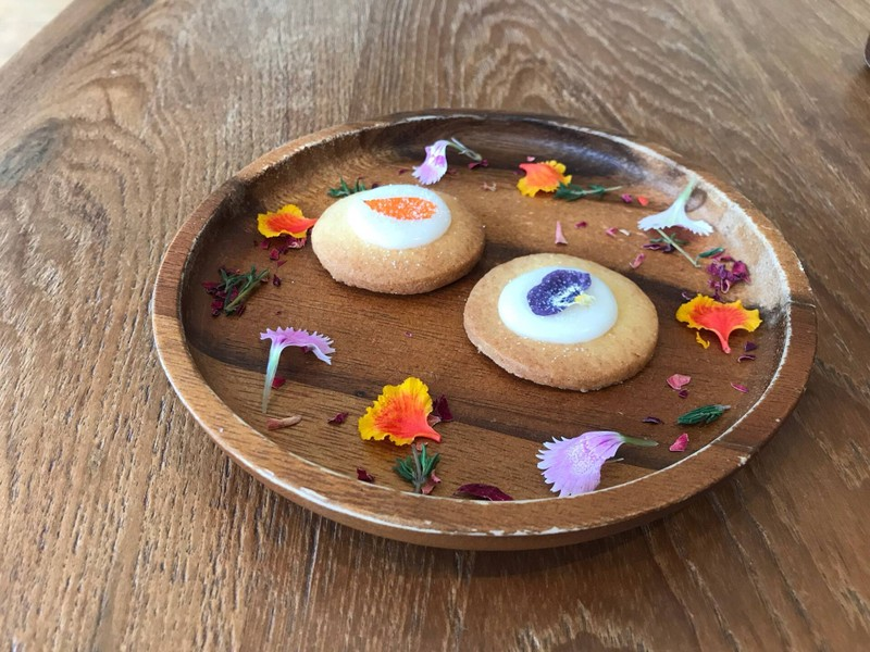 Cookies with seasonal edible flower