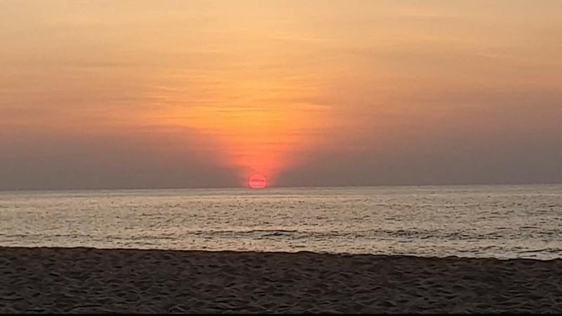 พระอาทิตย์จะตกทะเลแล้ว