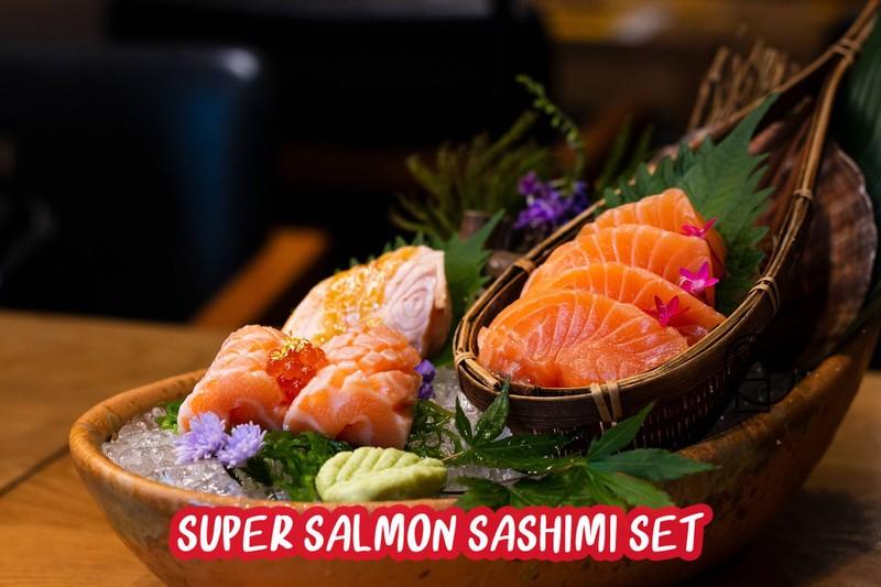 Super Salmon Sashimi set ชุดที่รวมเซลมอน 3 ขนิดไว้ใน set เดียวกัน