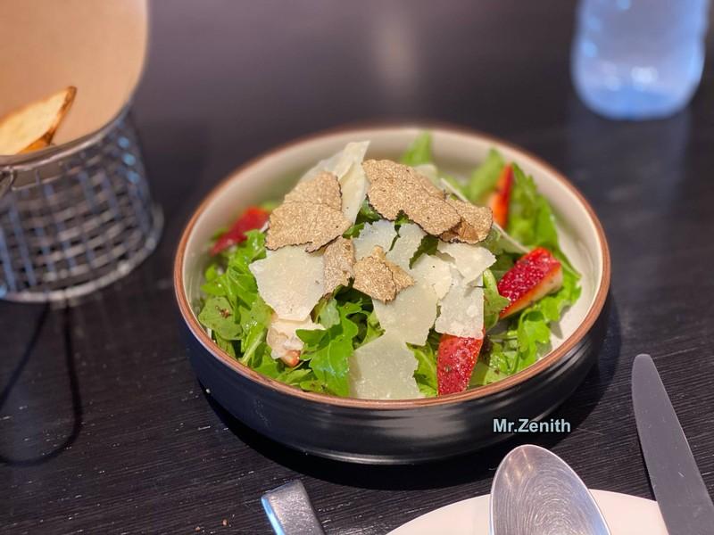 Strawberries & truffle salad