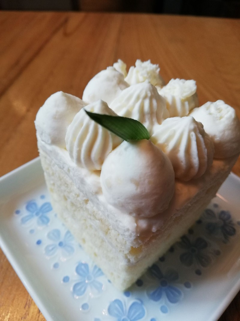 Coconut Mousse Cake 120-