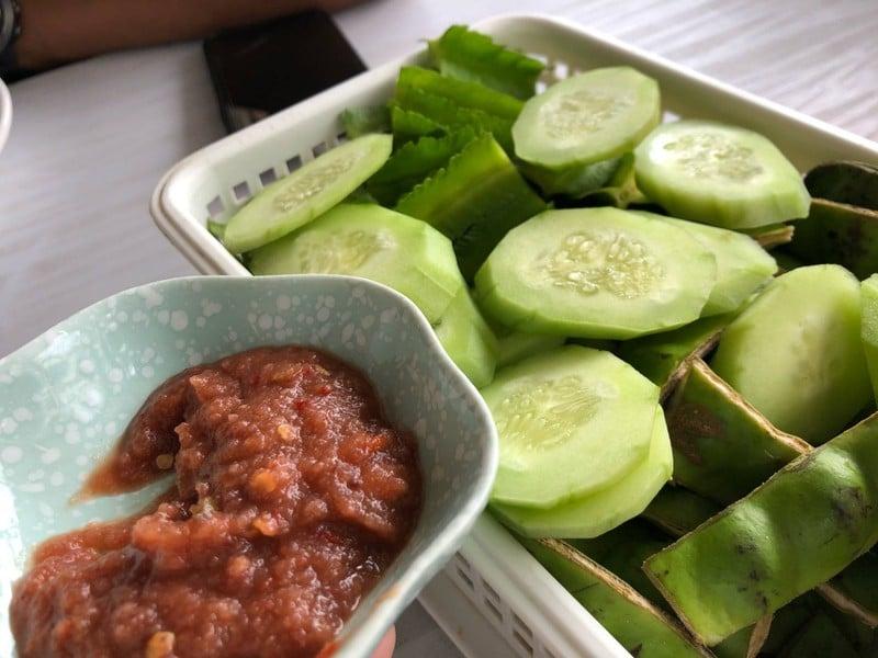 น้ำพริกกะปิผักฟรี
