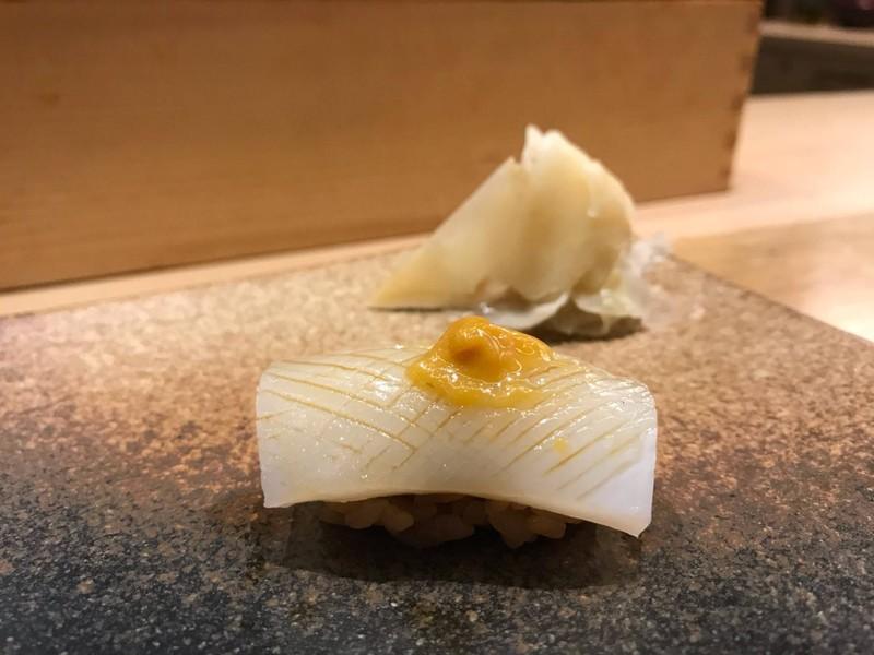 ซูชิปลาหมึก