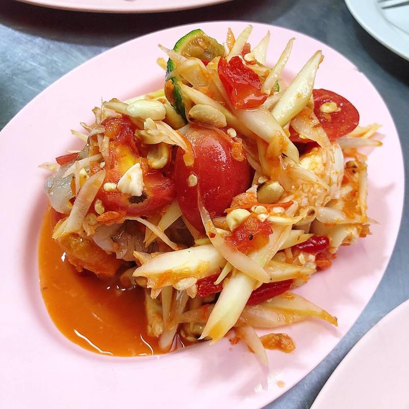 ตำไทยไข่เค็มกุ้งสด อร่อยตาแตก