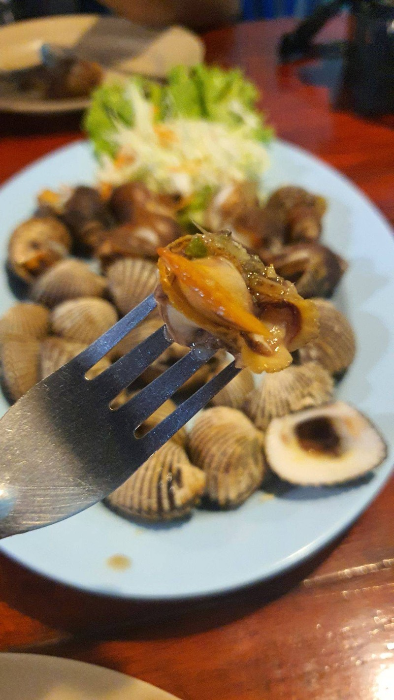 หอยแครงและหอยชักตีนตัวใหญ่ๆ