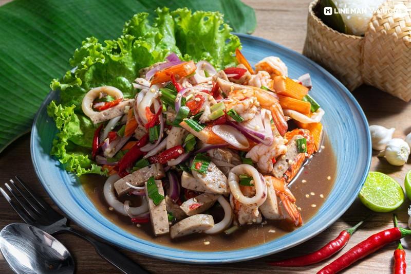 ยำรวมทะเลปลาร้าไทย