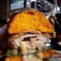 Rock Me Burgers & Bar (ร๊อค มี เบอร์เกอร์ แอนด์ บาร์) คูเมืองชั้นนอก