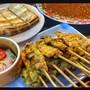 โตข้าวมันไก่ หมูสะเต๊ะ (Hainanese chicken rice and Pork Satay)