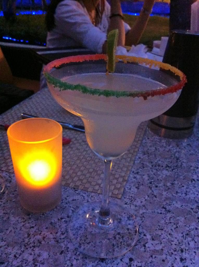 The NINE Wine&Dining | Wine Bar&Bistro คอนโดรอยัลเพลส ภูเก็ต