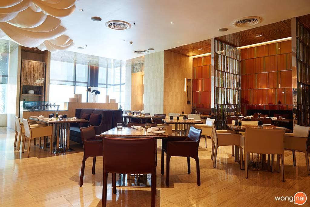 La Tavola & Wine Bar โรงแรม เรอเนสซองซ์ กรุงเทพ