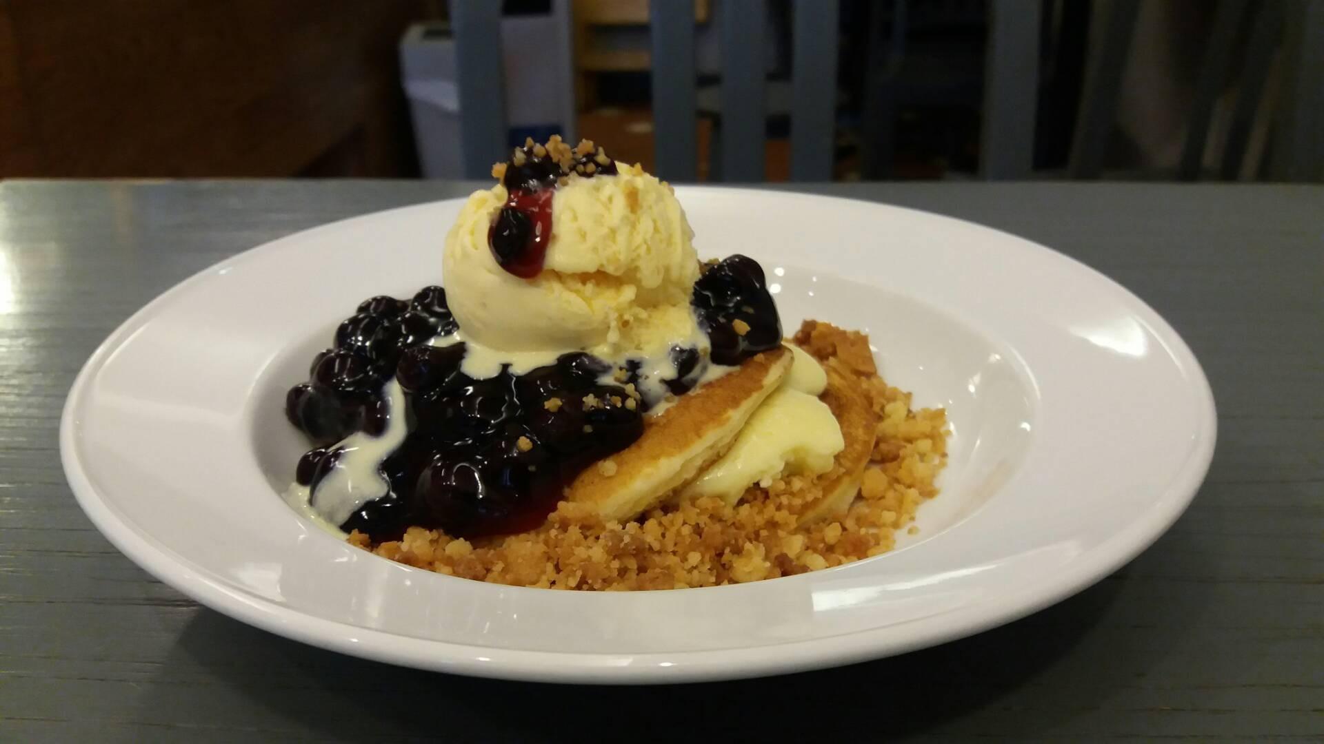 Blueberry Creamcheese Pancake(150 บาท) น่าอร่อยมากกก
