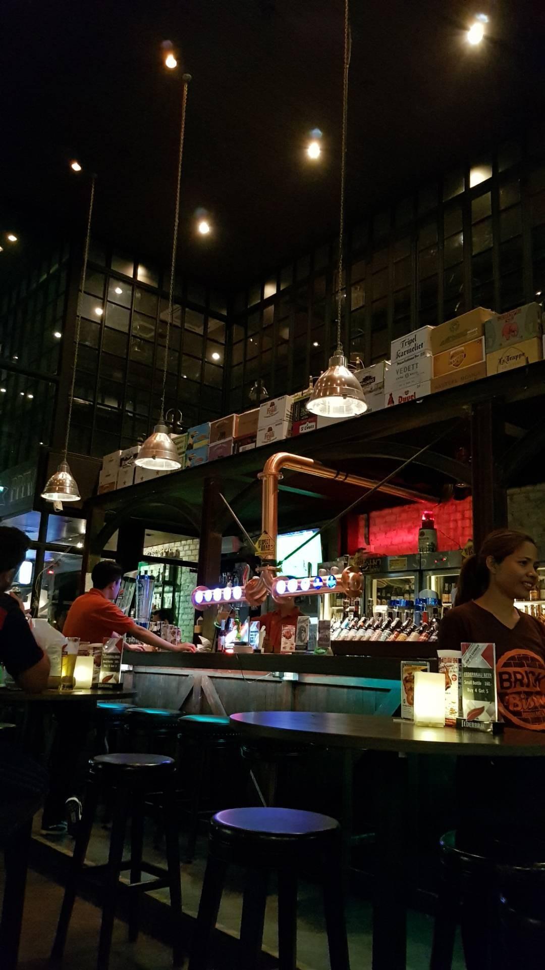 บรรยากาศ Brick Bistro Restaurant and Bar เอเชียทีค เดอะ ริเวอร์ ฟร้อนท์
