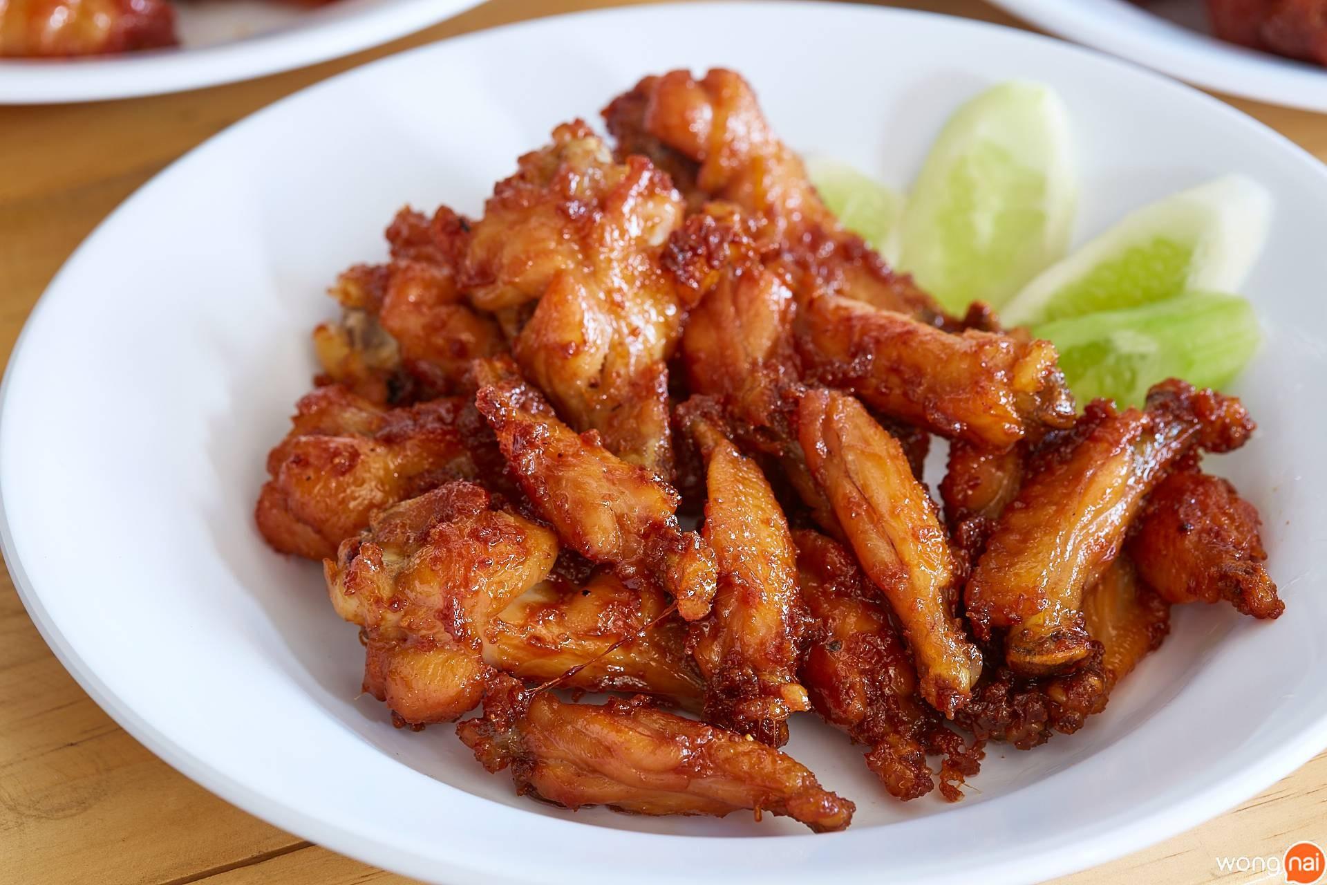 ไก่ทอด ร้าน หมูทอด BunBun