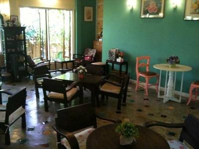Mai Bakery in garden (ไหมเบเกอร์รี่)