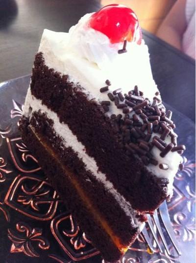 It is A CAKE (อิทอะเค้ก)
