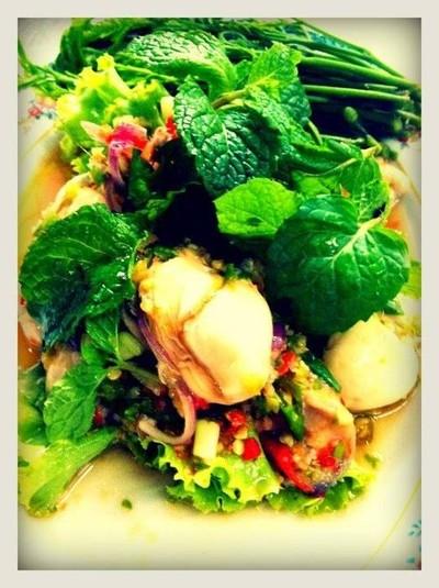 ริมเขื่อน ซีฟู้ด (Rim Kuean Seafood)