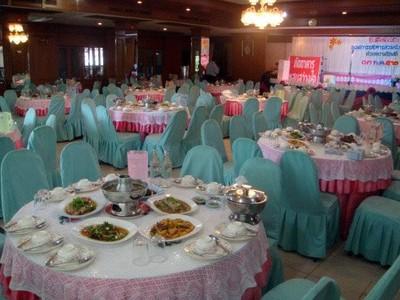 แสนสว่างใจ (Saensawangjai Restaurant)