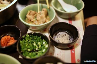 เนื้อดีๆ ลวกไวๆ จิ้มพริกไทยกับเกลือก็แจ่มแล้วครับ (อยากแนะนำให้ลองดู)