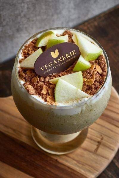 Vegan Apple Cinnamon Yogurt Smoothie