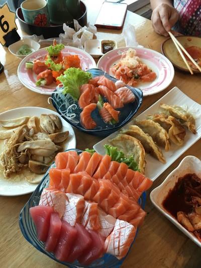 Yoshi Japanese Restaurant (โยชิ) ลาดกระบัง