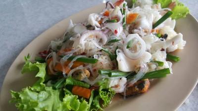ชมจันทร์ (Chom Jan Restaurant)