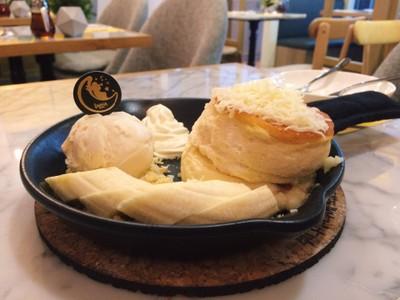 Super Cheese Souffle Pancake