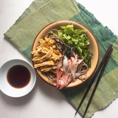 สลัดโซบะเย็นแบบญี่ปุ่น