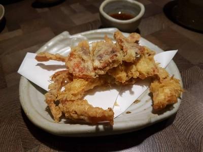 ปูนิ่มเทมปุระ (Soft Shell Crab Tempura) • ☆☆☆☆นิ่มทั้งตัวไม่มีส่วนขม ซอสไม่ค่อยมีรสชาติเท่าไร ที่ ร้านอาหาร Fillets The Portico หลังสวน