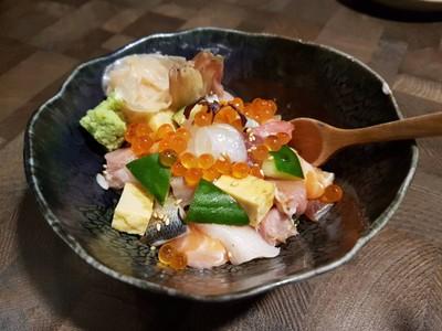 Barashirashi • ☆☆☆☆☆ดีมากๆ เนื้อหลายหลายและอร่อยมาก ข้าวน้อยหน่อย ที่ ร้านอาหาร Fillets The Portico หลังสวน