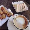 ไก่จ๊อ-ขนมปังปิ้งแยมบลูเบอรี่-กาแฟร้อน